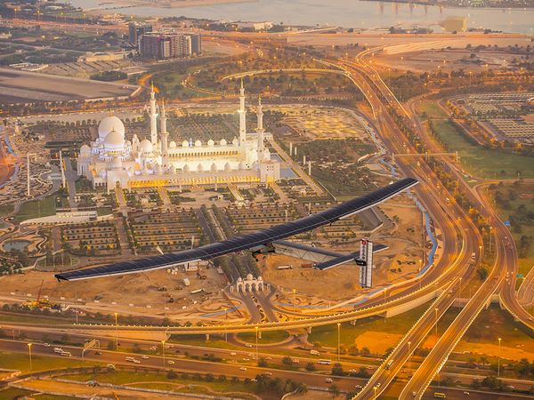 Photo (c): Solar Impulse