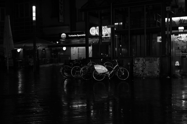 rainy night in Bochum 2