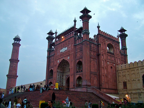 Entrance of Badshahi Mosque | by *_*