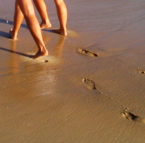 Footprints in the sand | by neloqua