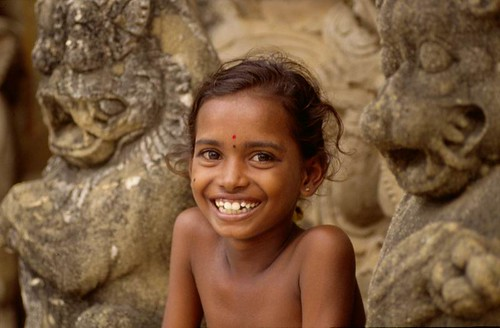 Young Girl, Temple, Tamil Nadu, India, 1989  Flynnie  Flickr-2856