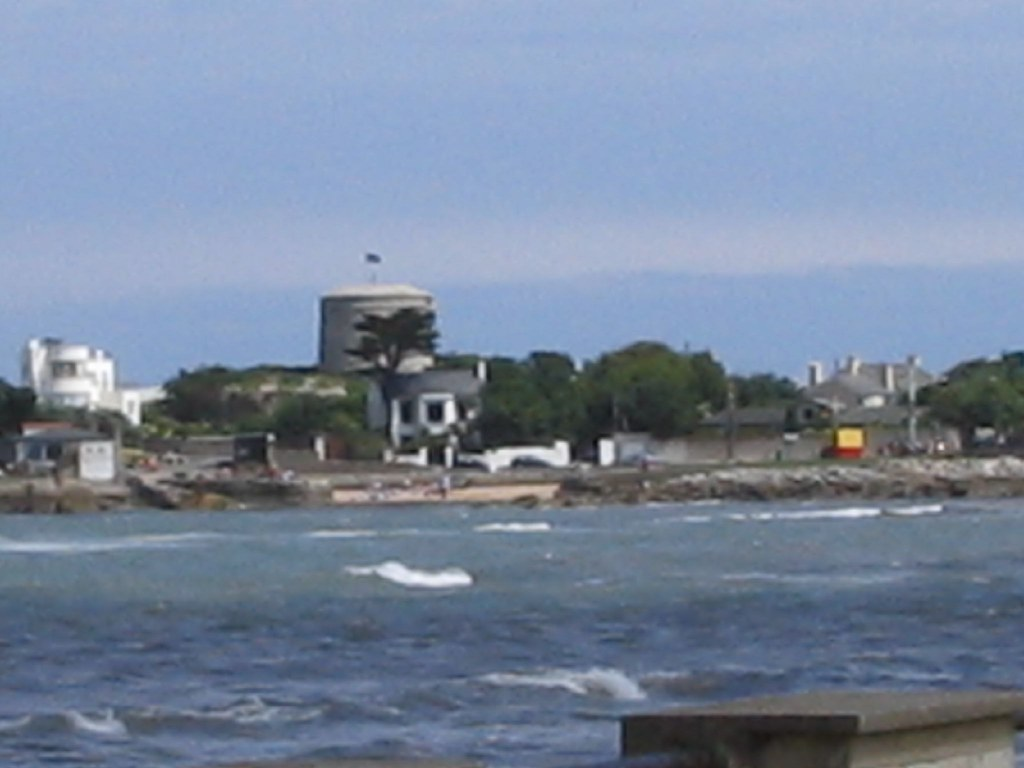 PHOTOGRAPHS OF DUN LAOGHAIRE - 8 JULY 2004 001