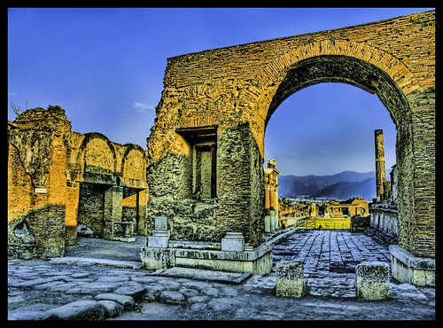 Arches of Pompeii | by Stuck in Customs
