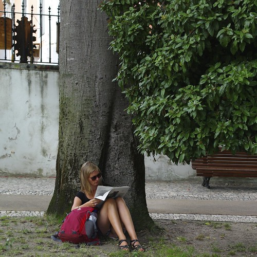 Woman reading the newspaper | by pedrosimoes7