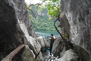 Coron - Barracuda Lake narrow passage
