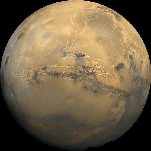 VCSE - Mai kép - Valles Marineris