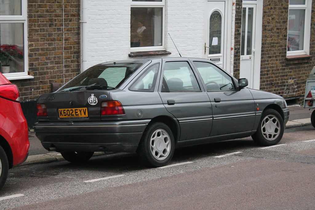 1992 Ford Escort 1.8 Ghia I | Very happy to spot these ...