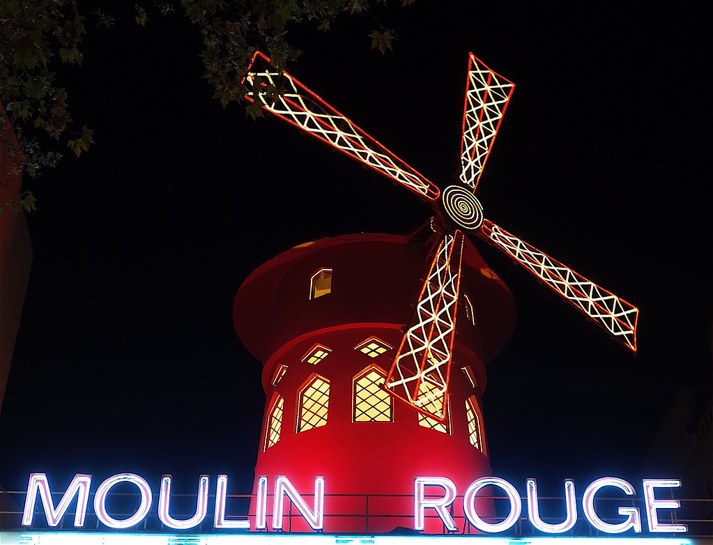 a musical analysis of moulin rouge Moulin rouge is a post-modern musical set in the 1900's but featuring popular songs from the second half of the 20th century script analysis of moulin rouge.