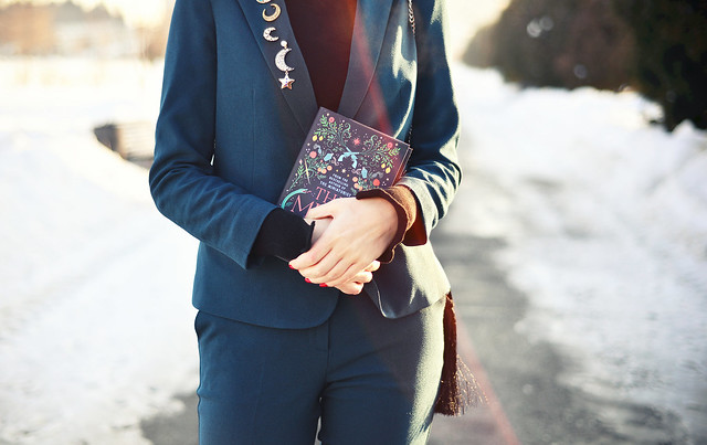 How to wear a pantsuit winter (6)