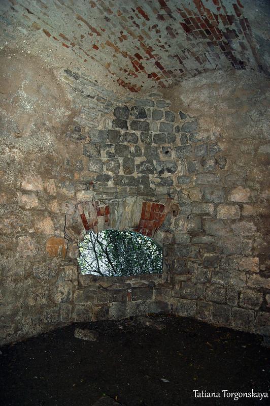 Внутри орудийного каземата