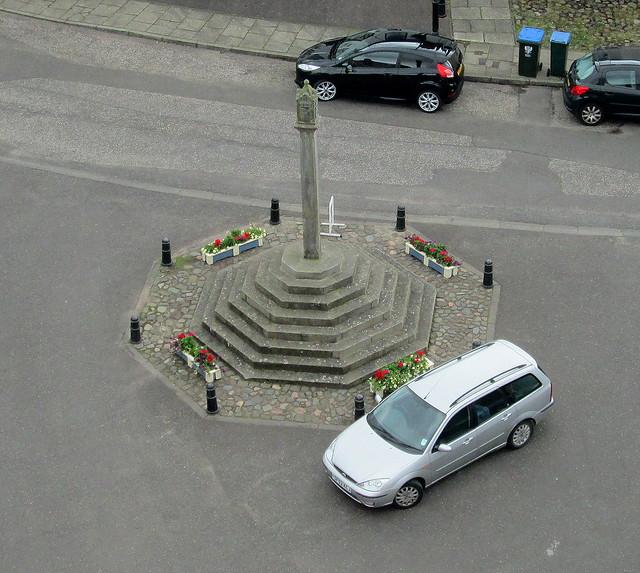 Abernethy  War Memorial