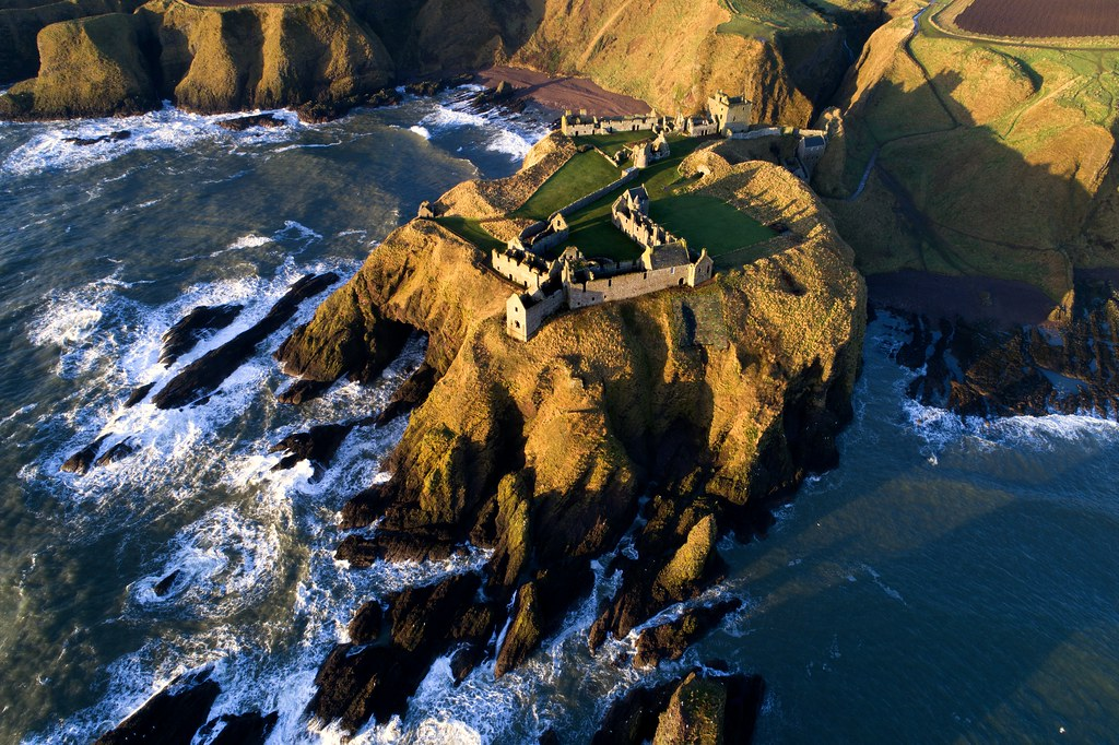 how to get to dunnottar castle