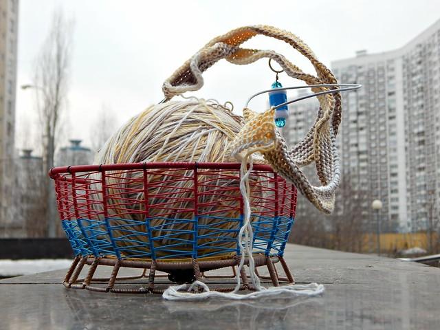 начало свитера в корзинке | knitting in basket