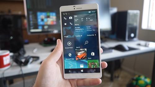 Cube WP10   Windows 10 telefonas iš Kinijos