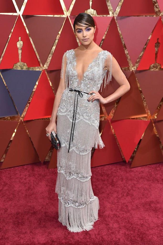 Olivia-Culpo-Oscars-red-carpet