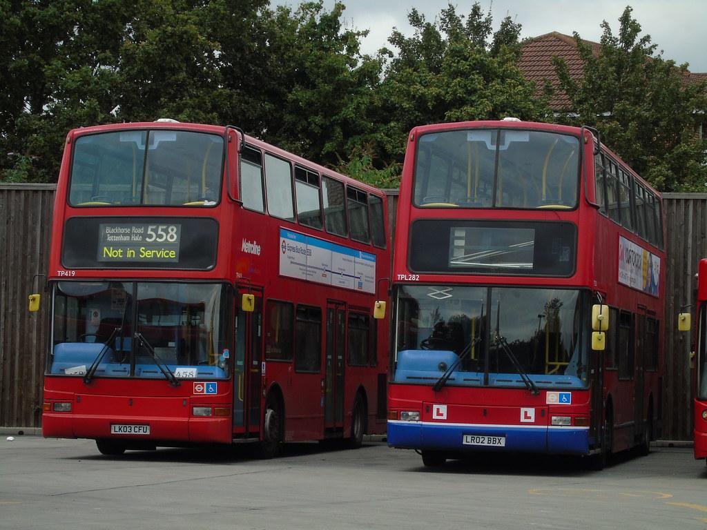 Tp vs tpl cricklewood bus garage tp419 lk03 cfu and for Garage ad buc