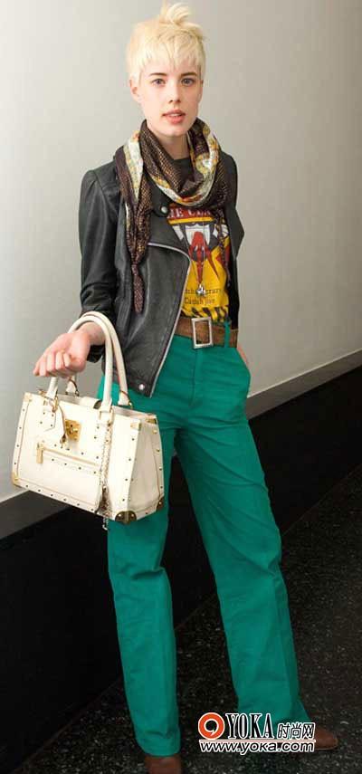 United Kingdom model exposes fashion dress up cheats