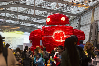 BalloonBot by Airigami at World Maker Faire 2016 - Airigami is the fine art of folding air.  Over 3000 Qualatex balloons and 100 worker hours went in to building Makey, the Maker Faire mascot, 20 feet tall for World Maker Faire. | by @MAKERFAIRE