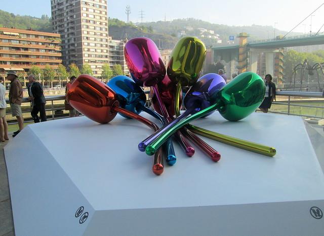 Jeff Koons Tulips, Guggenheim Museum, Bilbao