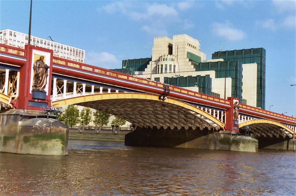 Vauxhall Bridge, London | Bridgepixing the Vauxhall Bridge, … | Flickr