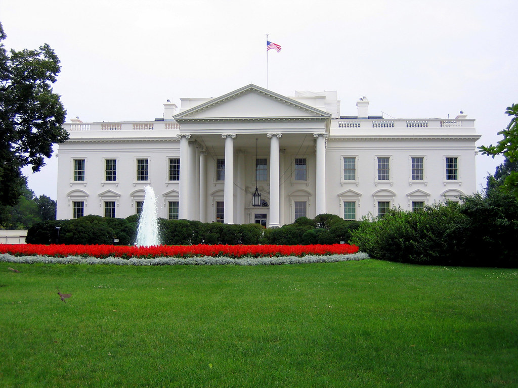 white house view of the white house from the side facing l flickr. Black Bedroom Furniture Sets. Home Design Ideas