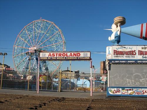 Phillips Coney Island Short North