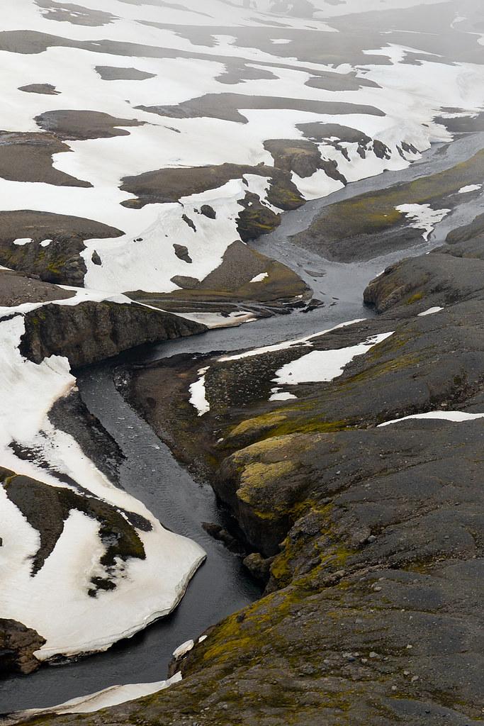 Rios geotermales de hielo y agua caliente de Islandia que pudimos observar volando en avioneta por Islandia