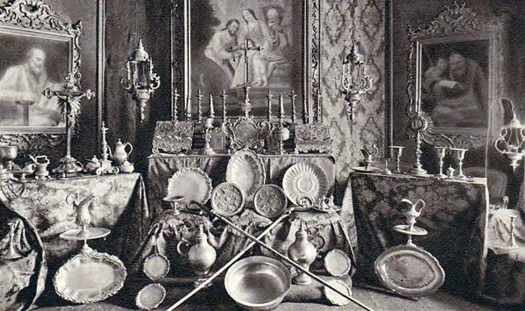 Exposição da coleção de ourivesaria na capela