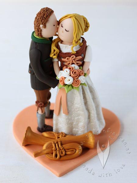 Trachten Tortenfigur Mit Horn Fur Die Hochzeitstorte Flickr