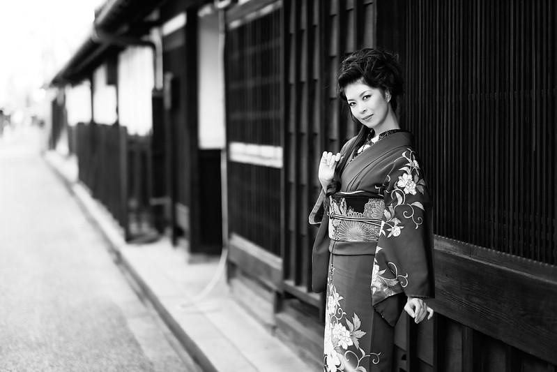 In an Old Street ( Cocoro Kusano )