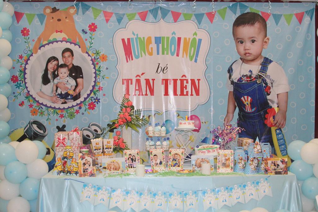 Tiệc mừng thôi nôi bé Tấn Tiên