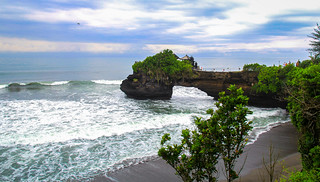 Tanah Lot on a rainy morning - Bali, Indonasia | by krisztianpanczel