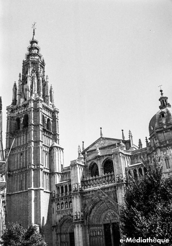 Catedral de Toledo en agosto de 1965. Fotografía de Jacques Revault © e-Médiathèque | Médiathèque SHS de la Maison méditerranéenne des sciences de l'homme