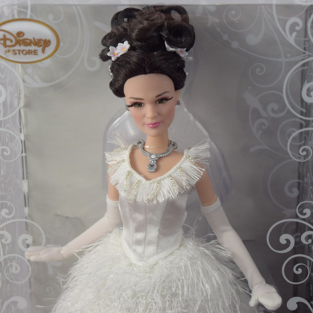 Once Upon a Time Doll Set - D23 LE 300 - Boxed - Unfolded … | Flickr