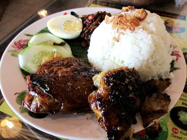 Ayam Penyet Ria nasi lemak ayam bakar