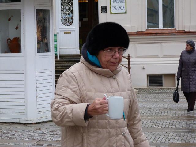 Mujer en Karlovy Vary, uno de los principales balnearios en República Checa