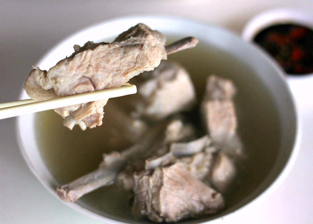 joo-siah-bak-koot-teh-spare-pork-ribs