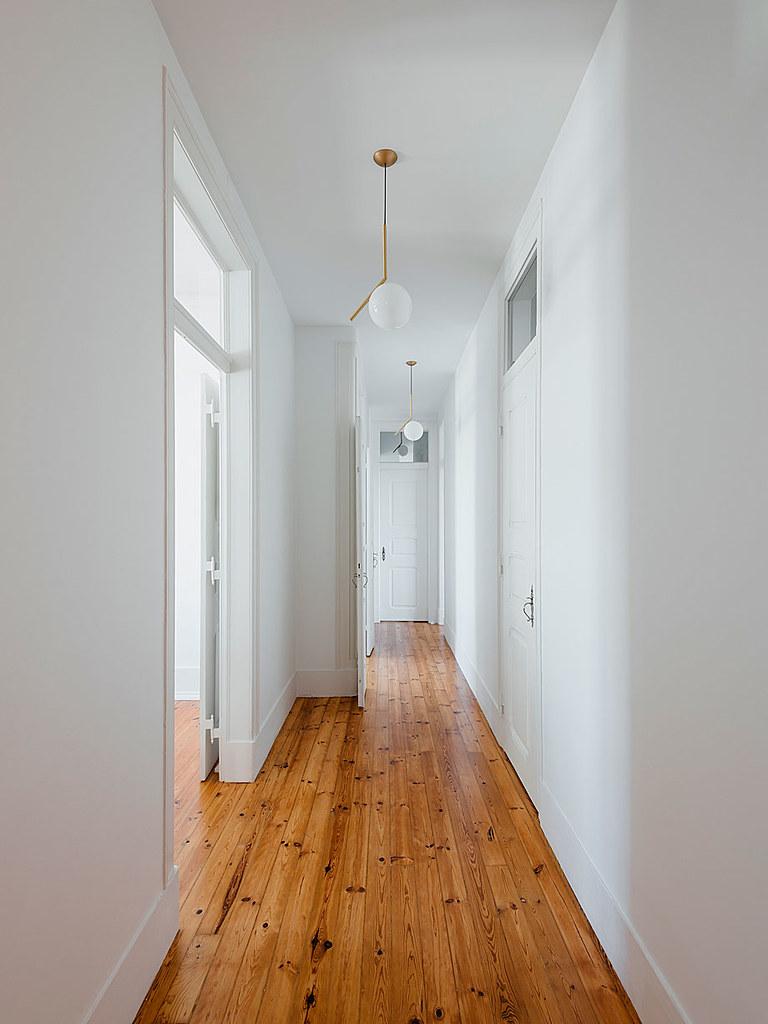 Classic apartment interior in the Lisbon Sundeno_02