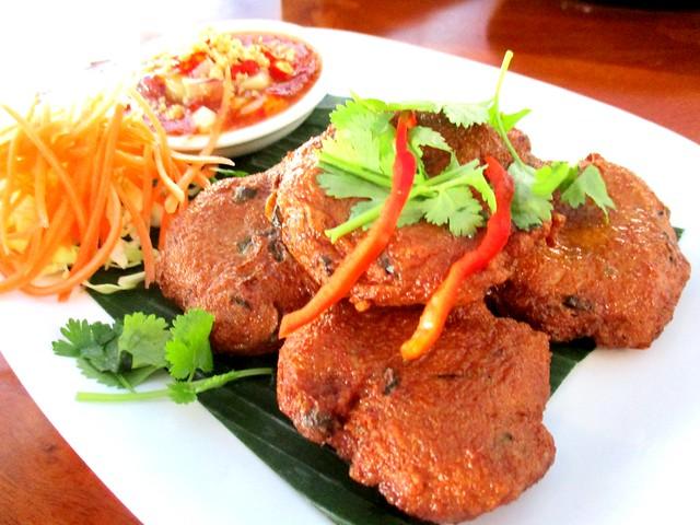 Sakhon fish cake