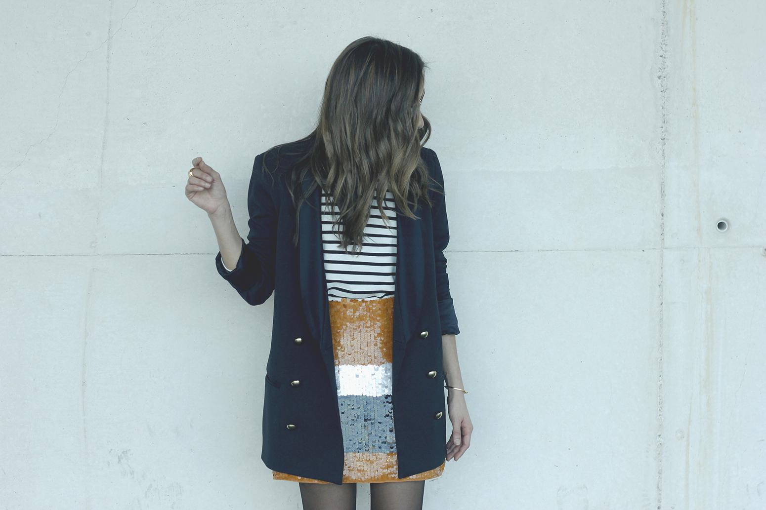 Striped T-Shirt Sequin skirt black blazer madrid fashion week street style fashion outfit04.jpg01