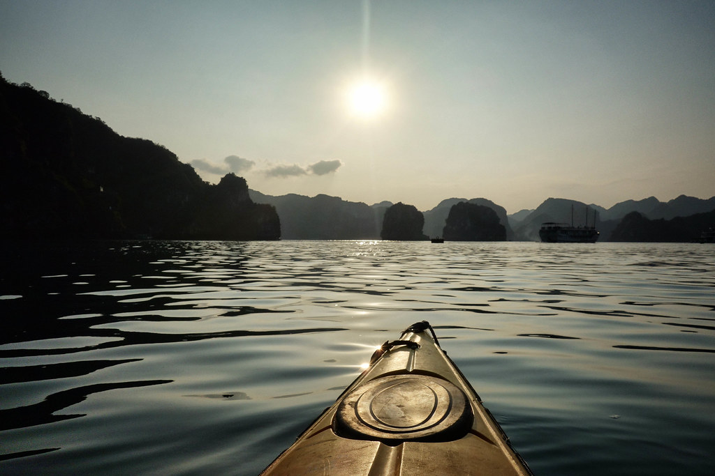 Halong Bay - Kayak - Sunset