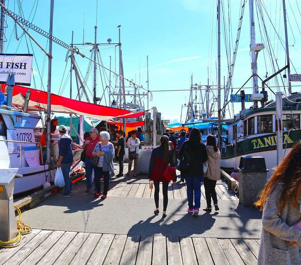 Visit the steveston fish market for fresh seafood direct f for Fish market richmond va