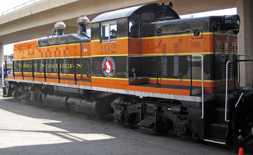 Great northern railway 192 diesel locomotive general mo for Electro motive division of general motors