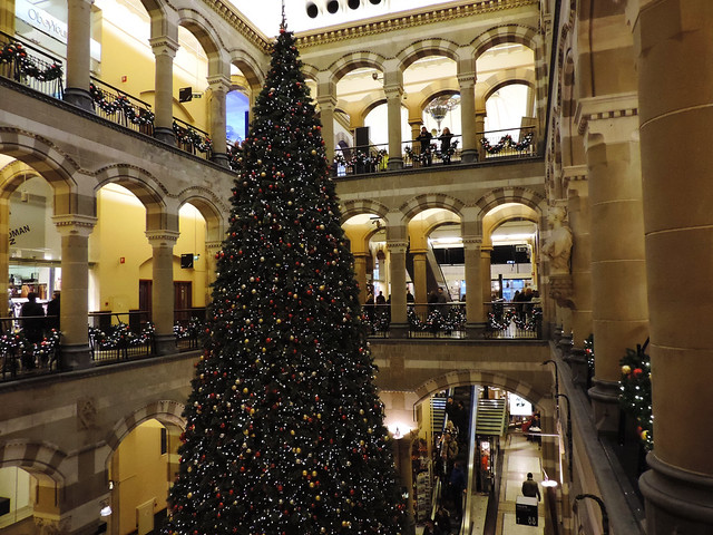 Merry Christmas: Magna Plaza, Amsterdam, Netherlands