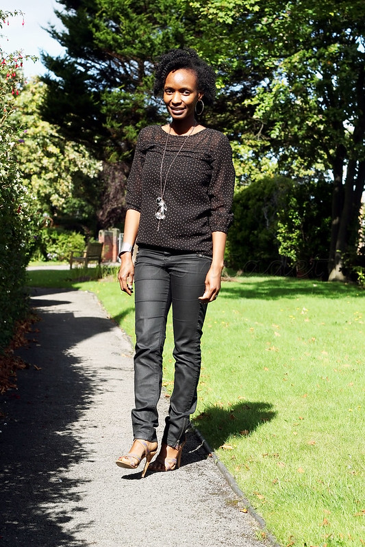 black-zip-jeans-with-polka-dot-top-long-necklace-silver-cuff-brown-strappy-heeled-sandals, brown heeled strappy heels, Matalan brown heeled strappy heels, matalan brown heeled strappy sandals, black and brown pin dots, black and brown polka dots, brown an
