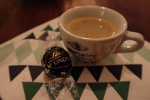 Lindor Kugel Dark zum Espresso