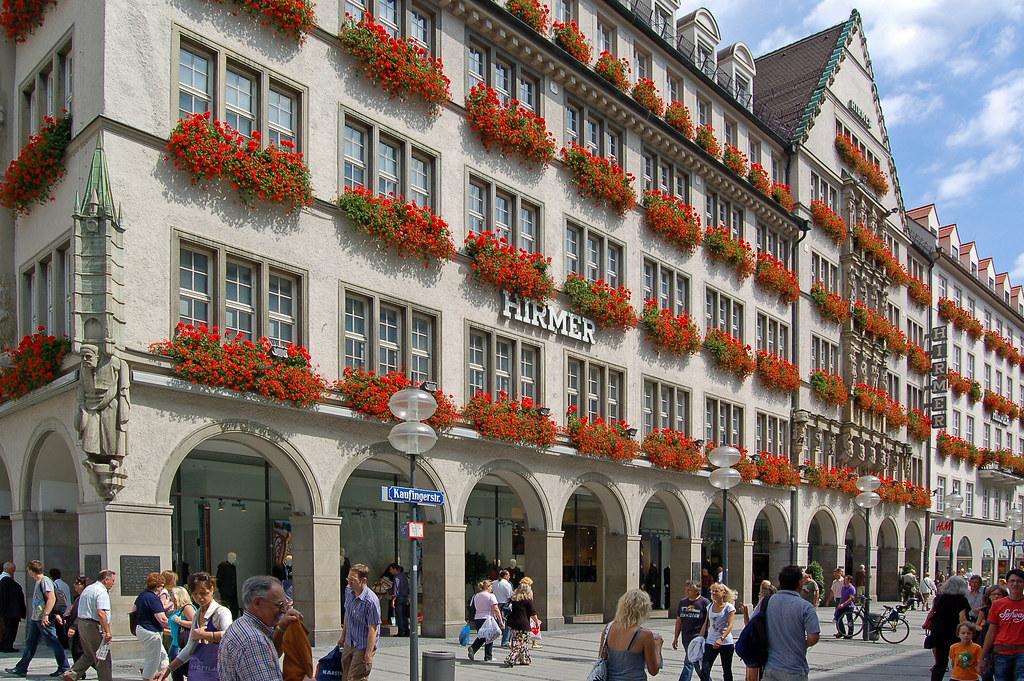 München Fußgängerzone Innenstadt (10) Historische Fass u2026 Flickr