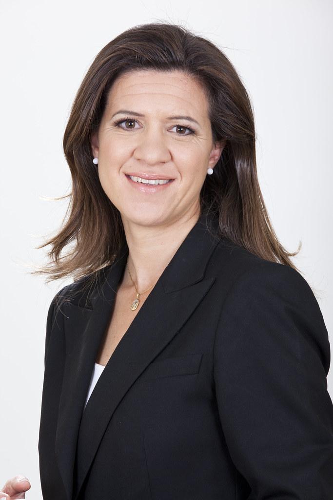 Resultado de imagen para foto de María Victoria Zingoni, directora general de Downstream de Repsol,