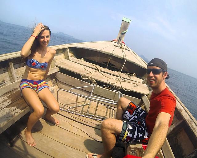 A bordo del longtail que nos llevó por las mejores playas de Tailandia