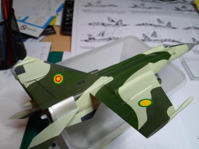 Pas-à-pas : MiG 25 Foxbat [Condor 1/72] - Page 3 32154847022_038179c2f9_o